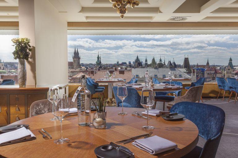 zlata-praha-restaurant-interier-04