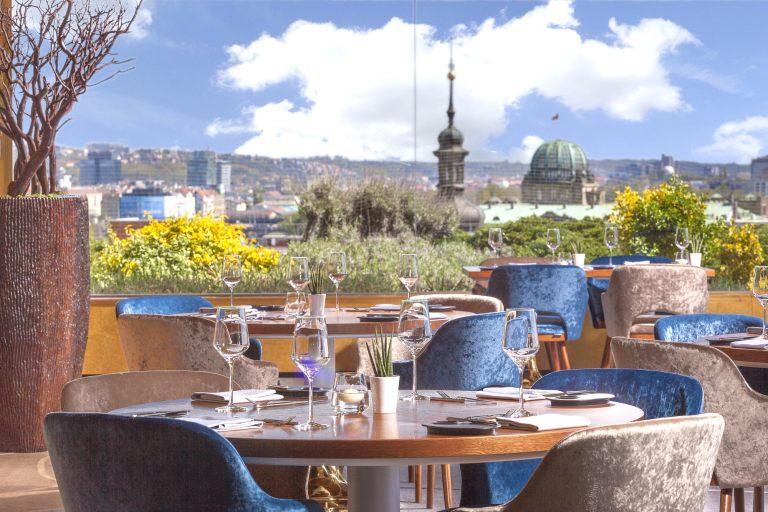 zlata-praha-restaurant-interier-05